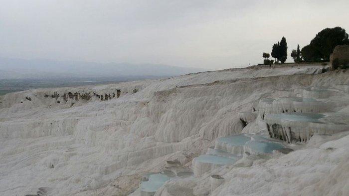 Fakta Unik Pamukkale, Kolam Air Panas yang Digunakan Berendam Para Raja Yunani Kuno