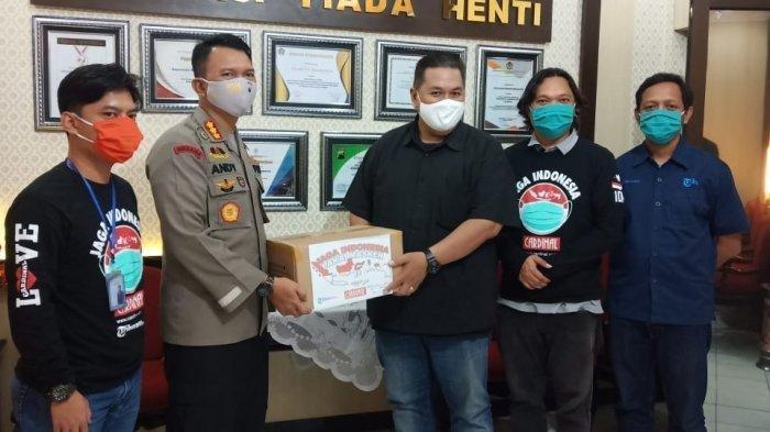 Tribunnews dan Cardinal Serahkan 3.000 Masker untuk Polresta Solo