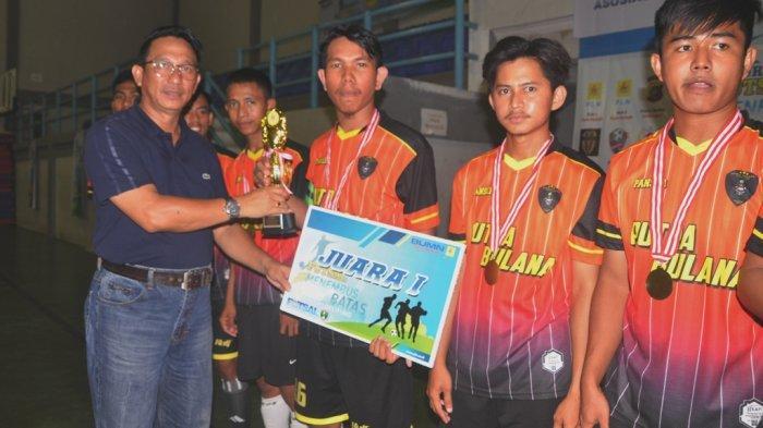 Putra Bulana Raih Juara Turnamen Futsal Menembus Batas