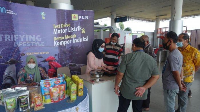 PLN Bangka Belitung Gelar Bazar UMKM Ramadhan di Bandara Depati Amir, Pasarkan Produk UMKM