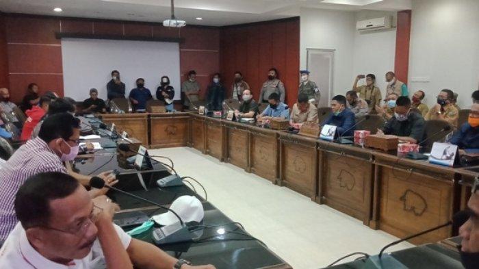 Rombongan Deklarasi GMB Sampaikan 10 Tuntutan ke DPRD Belitung