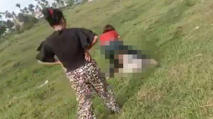 Viral Video Gadis 15 Tahun Dihajar Ramai-ramai oleh Rekannya, Korban Sampai Sujud dan Terus Dipukuli