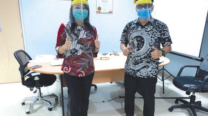Vina Salurkan 200 Alat Pelindung Wajah ke RSUD Marsidi Judono