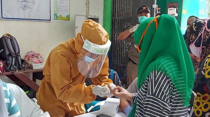 Takut Disuntik, Demi Ketahui Bisa Terbebas dari Corona Wati Beranikan Diri Ikut Rapid Test