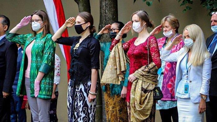Vedutova, Warga Rusia yang Selalu Ikuti Upacara HUT RI di KBRI Moskow: Dirgahayu Republik Indonesia