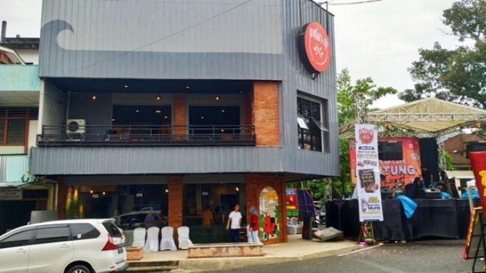 Makan di What's Up Cafe Tanjungpandan Bayar Pakai Selfie
