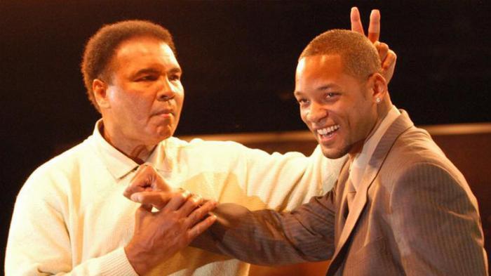Lennox Lewis dan Will Smith Akan Bawa Peti Jenazah Muhammad Ali ke Pemakaman