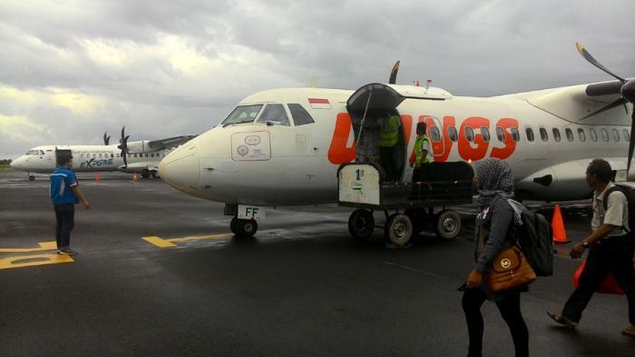 Diminta Bayar Kelebihan Bagasi, Penumpang Wings Air Ngamuk Bawa Parang Kemudian Rusak Pintu Bandara