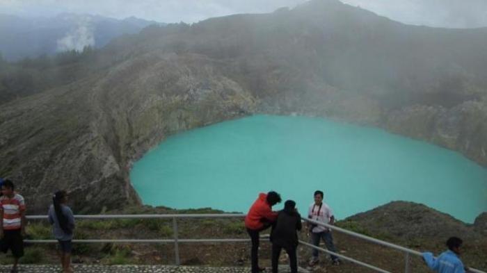 Traveler Perlu Tahu, Ini 10 Tempat Unik dengan Keajaiban Alam Menakjubkan, Ada Danau Kelimutu di NTT