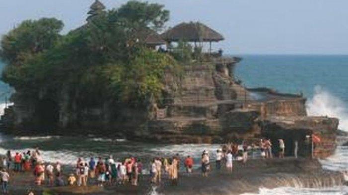 Sejak Dibuka, Tanah Lot Dikunjungi 21.229 Turis Domestik