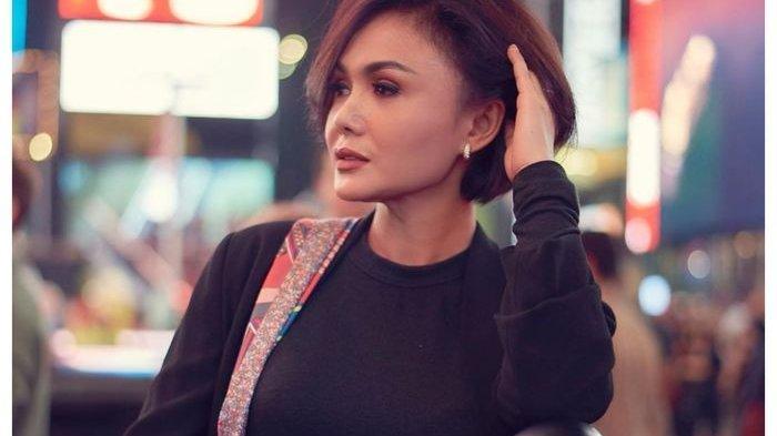 Bertahun-tahun Kerja Sendiri, Yuni Shara Sadar Tidak Muda Lagi