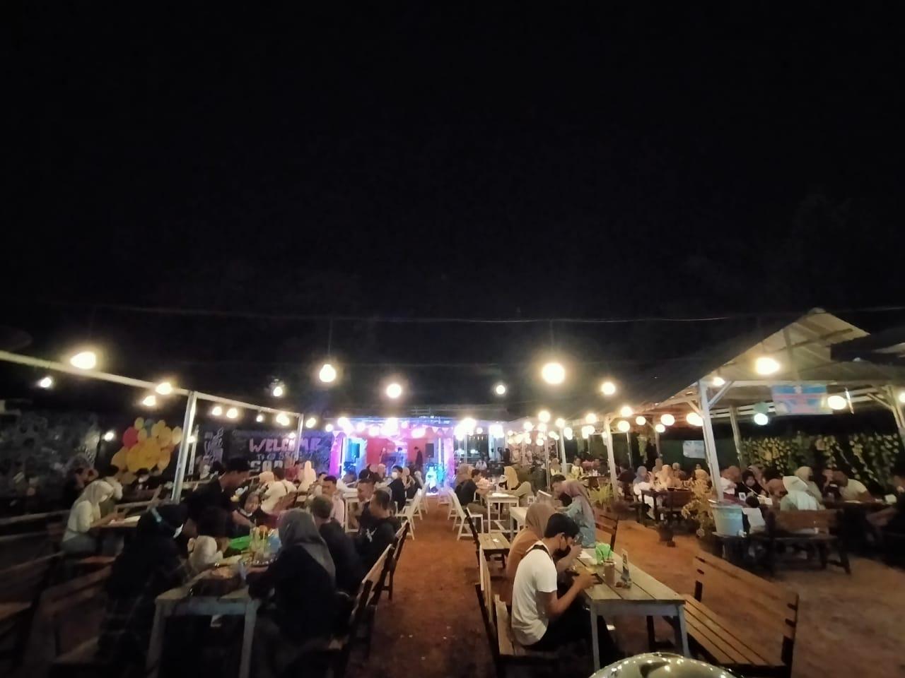 Suasana Roashow Honda TDM - Gelar Roadshow  di Secret Cafe Manggar (Sabtu,26/21).