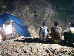 20210627-lokasi-tambang-dua-orang-tertimbun-tanah-di-kelapa-kampit.jpg