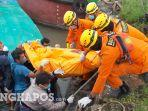 20210714-proses-evakuasi-jenazah-kapten-tugboat-tb-multindo-105-rabu-1472021.jpg
