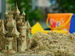 20210808-ilustrasi-larangan-bermain-pasir-pantai.jpg