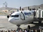 20210817-suasana-mencekam-di-bandara-afganistan.jpg