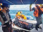 20210930-proses-evakuasi-mayat-di-tengah-laut-oleh-tim-sar-gabungan-rabu-2992021.jpg