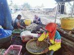 20211010-aktivitas-warga-nelayan-desa-tanjung-binga.jpg