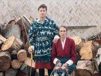 baju-pengantin-dimas-anggara-dan-nadine-chandrawinata-saat-menikah-di-bhutan_20180902_171546.jpg