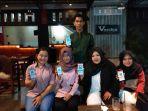 beberapa-konsumen-ijoy-yang-telah-bertransaksi-di-vanka-rest-relax-cafe_20180321_181458.jpg