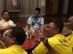 bobi-si-kucing-milik-prabowo-berpose-di-atas-meja_20180929_122729.jpg