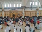 cegah-covid-19-lafadz-azan-masjid-di-makassar-berubah.jpg