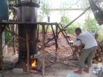 dapur-penyulingan-minyak-lada-di-desa-belo-laut-bangka-barat_20180928_153730.jpg