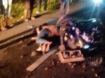dua-korban-terkapar-di-jalanan-di-simpang-renggiang.jpg