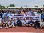 foto-bersama-pengurus-koni-provinsi-bangka-belitung-bersama-atlet-pelatda.jpg