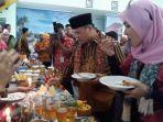 gubernur-babel-erzaldi-rosman-mencicipi-menu-makanan-tradisional.jpg