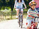 ilustrasi-aktivitas-anak-bersepeda.jpg