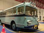 indonesia-classic-n-unique-bus.jpg