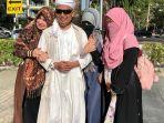 istri-pertama-ustaz-arifin-ilham-membagikan-momen-kebersamaannya-bersama-sang-suami.jpg