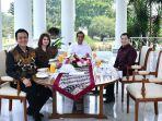 jokowi-dan-tiga-pimpinan-partai_20180728_165119.jpg