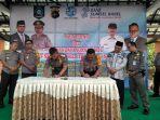 kabag-sumda-polres-belitung-kompol-feri-dan-plt-kasatpol-pp-kabupaten-belitung.jpg