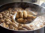 kacang-rebus-bisa-jadi-obat-alami-sembuhkan-berbagai-penyakit-berbahaya.jpg