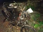 kerangka-sepeda-motor-leli-yang-terbakar_20180402_214003.jpg
