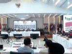 komisi-pemilihan-umum-kpu-ri-melanjutkan-rapat-pleno-rekapitulasi-suara.jpg