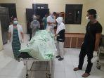 kondisi-korban-pembunuhan-junaidi-efendi-33-di-kamar-mayat-rsud_20180911_174238.jpg