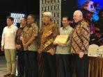 konferensi-pers-soal-divestasi-pt-freeport-indonesia.jpg