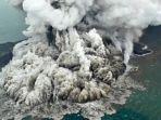 letusan-gunung-anak-krakatau-yang-diabadikan-pilot-susi-air-minggu-23122018.jpg