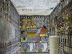 makam-kuno-4300-tahun-berisi-lukisan-warna-warni.jpg