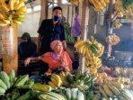 mantan-dewan-ambil-pisang-tanpa-bayar.jpg