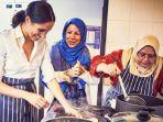 meghan-markle-memasak-bersama-hubb-community_20180919_231652.jpg
