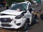mobil-datsun-go-rusak-parah-akibat-kecelakaan-beruntun-di-tol-jagorawi.jpg