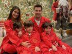 momen-lionel-messi-merayakan-natal-2020-bersama-keluarga.jpg