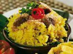 nasi-kuning-serundeng-daging-bikin-sarapan-lebih-spesial.jpg