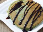 pancake-havermut-green-tea-semakin-menggoda-dengan-saus-cokelatnya.jpg