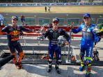 para-juara-di-podium-balapan-motogp-emilia-romagna.jpg