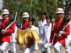paskibraka-kabupaten-belitung-timur-2018-menuju-inspektur-upacara_20180817_162705.jpg
